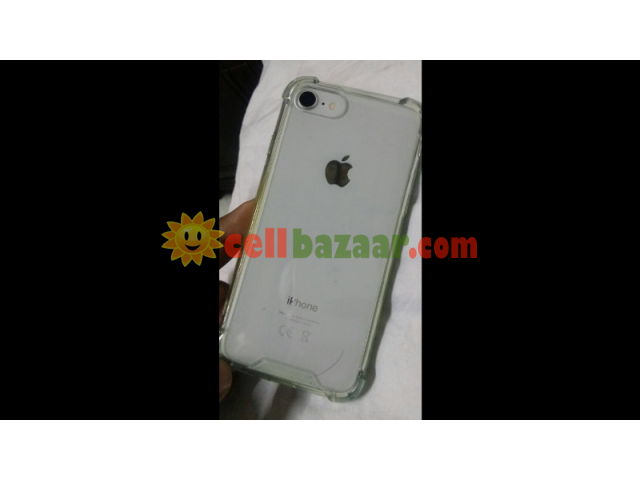 Apple I phone 8 - 4/4