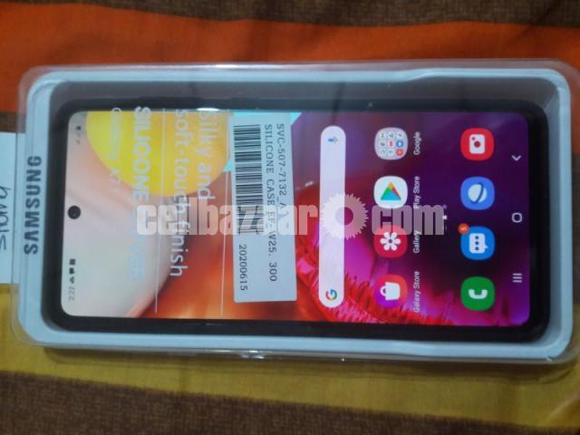 Samsung Galaxy A 71 - 3/3