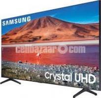 SAMSUNG 43TU8000 Powerful Crystal Processor 4KHDR SMART TV