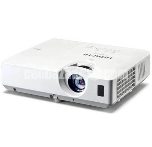 Projector Hitachi - 3/3