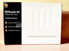 Xiaomi Mi 4C Wireless Router 4 Antena 2.4G 300 Mbps Router (Global Version)