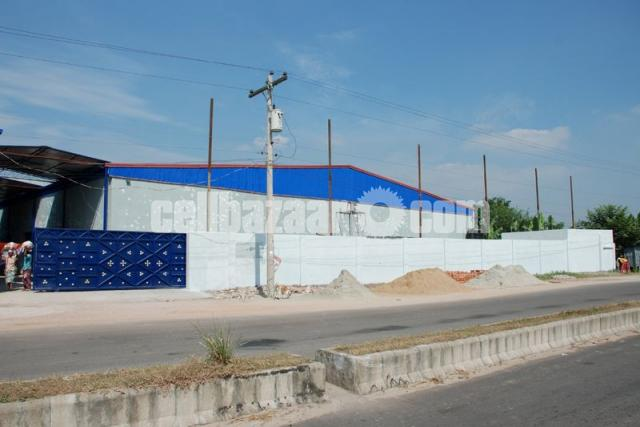68000 TO 1 LAC Ready Industrial Warehouse - 1/10