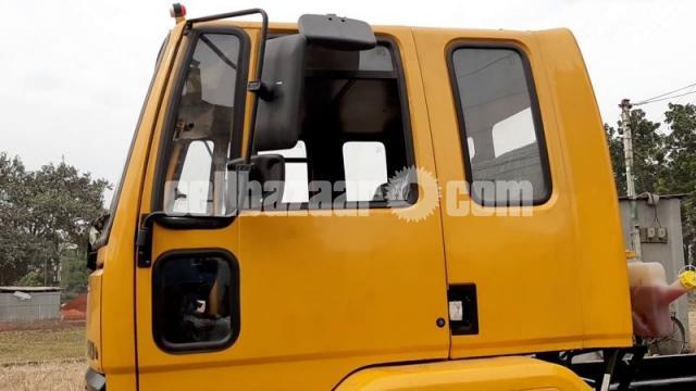 Ashok Leyland 1214 XL Sleeper Cabin - 1/2