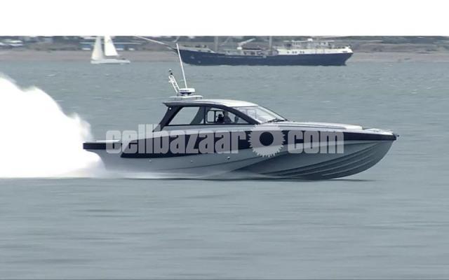 Patrol boat BLADERUNNER 45 INTERCEPTOR - 1/6