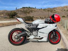 2017 Ducati superbike 899 panigale WhatsApp+14752216764