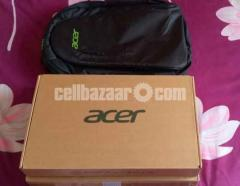 Acer TravelMate P214-53G.