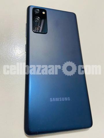 Samsung Galaxy S20 FE - 2/4