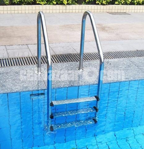 Swimming Pool Ladder - 1/3