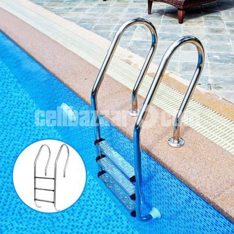 Swimming Pool Ladder - 2/3