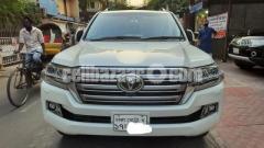 Toyota Land Cruiser VX V8 2016 - Image 3/6