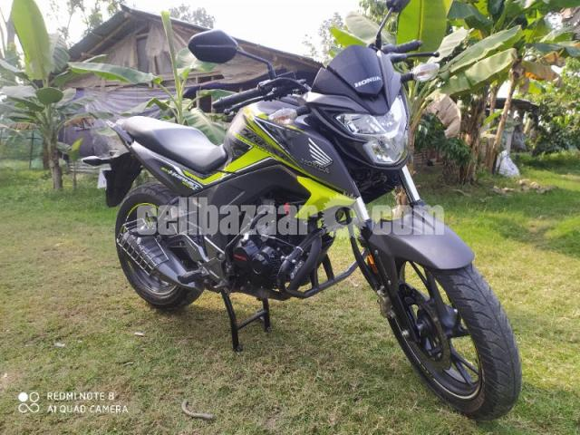 Honda hornet especial edition 2020 - 2/8
