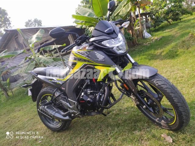 Honda hornet especial edition 2020 - 8/8