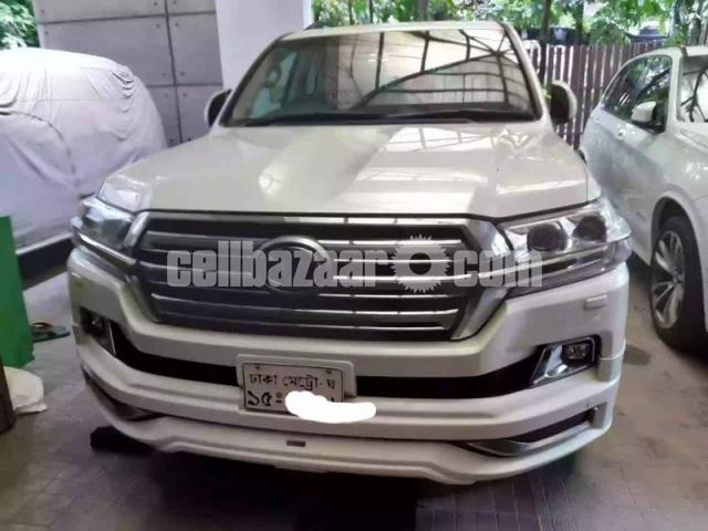 Toyota Land Cruiser V8 2016 - 1/6
