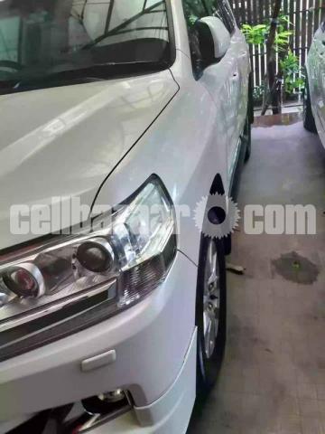 Toyota Land Cruiser V8 2016 - 2/6