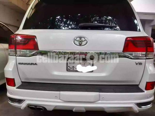 Toyota Land Cruiser V8 2016 - 3/6