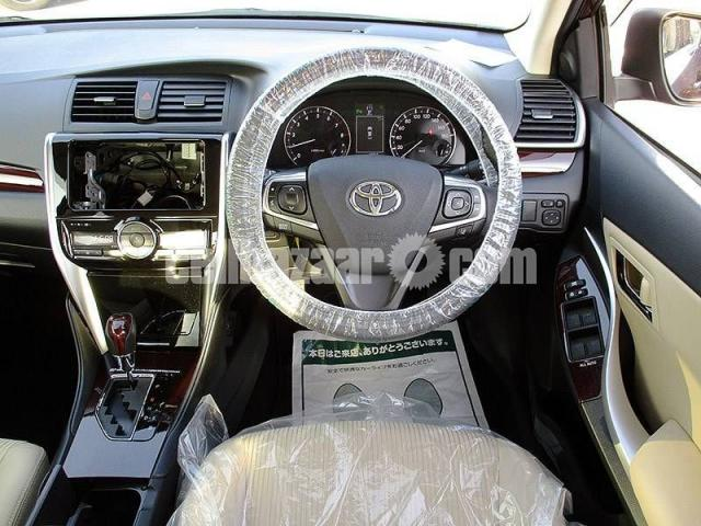 Toyota Premio F-EX 2019 - 5/6