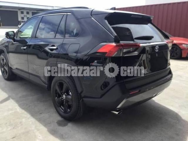 Toyota RAV 4 2021 - 2/3
