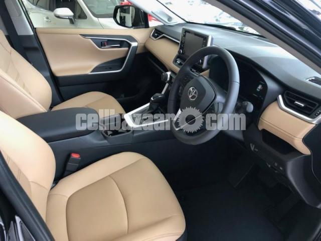 Toyota RAV 4 2021 - 3/3