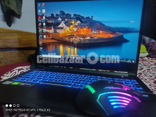 Laptop, Gigabyte Aorus 5 mb i5 - 1/4