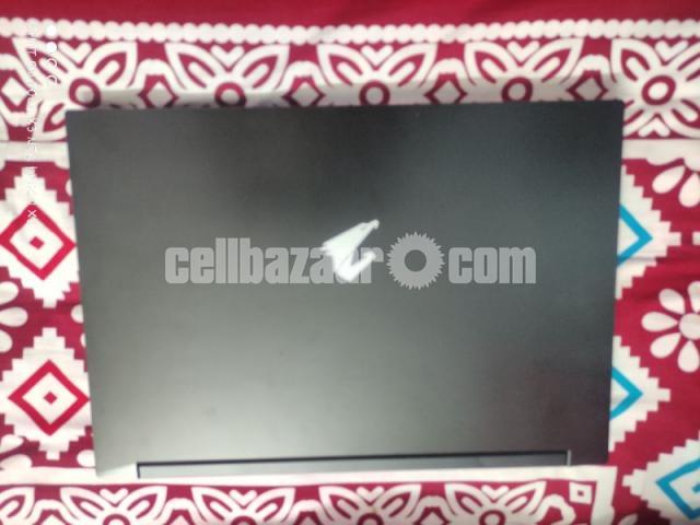 Laptop, Gigabyte Aorus 5 mb i5 - 4/4