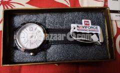 NAVIFORCE 9117 Sports Style Men Calendar Week Display Leather Strap Quartz Watch - Image 3/4