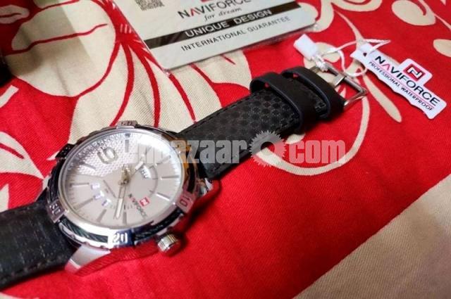NAVIFORCE 9117 Sports Style Men Calendar Week Display Leather Strap Quartz Watch - 4/4