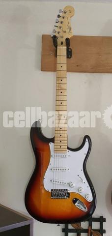 Fender Stratocaster urgent sell - 1/6