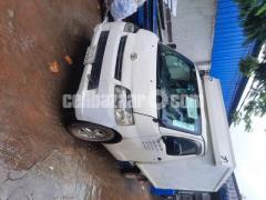 Toyota Cover Van 2012