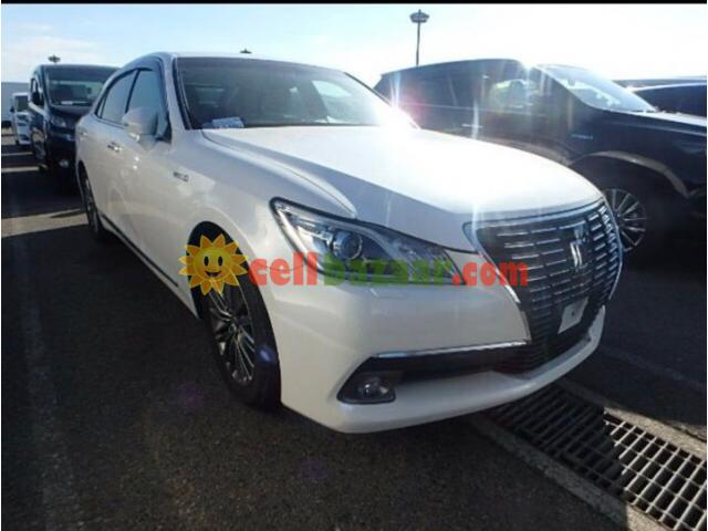 TOYOTA CROWN G ROYAL SELLON BEIGE INT PEARL 2013 - 1/5