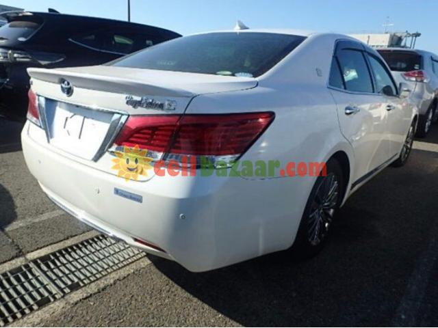 TOYOTA CROWN G ROYAL SELLON BEIGE INT PEARL 2013 - 4/5