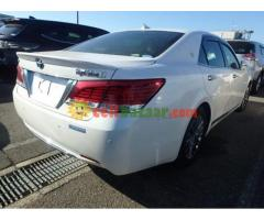 TOYOTA CROWN G ROYAL SELLON BEIGE INT PEARL 2013 - Image 4/5