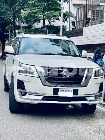 Nissan Patrol V8 - 1/9