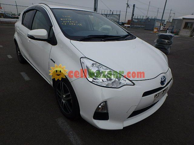 Toyota Aqua S Hybrid Pearl 2013 Basundhara Cellbazaar Com Buy
