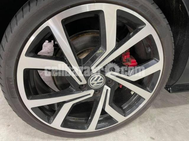 Toyota Voxy 2016 - 3/4