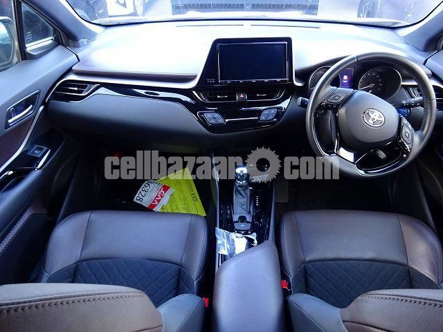 Toyota C-HR 2017 G LED Two Tone 2017 - 6/6