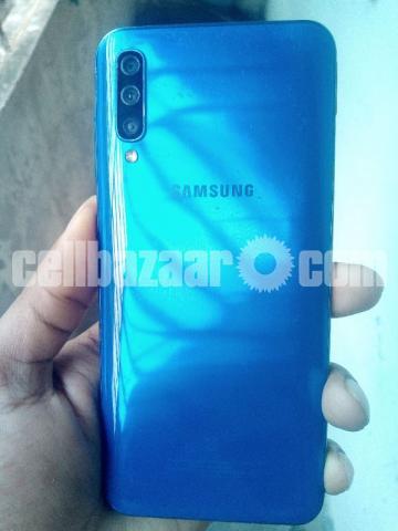 Samsung Galaxy A50 - 3/4