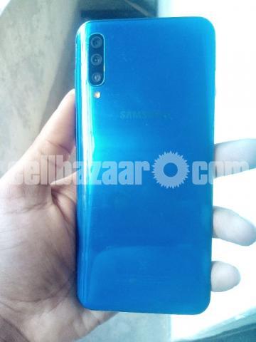 Samsung Galaxy A50 - 4/4