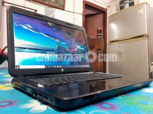 HP 14-d008au Notebook laptop with 4 gb ram and fast processor(dual core E1 2100APU).Screen -14 inch - 1/7