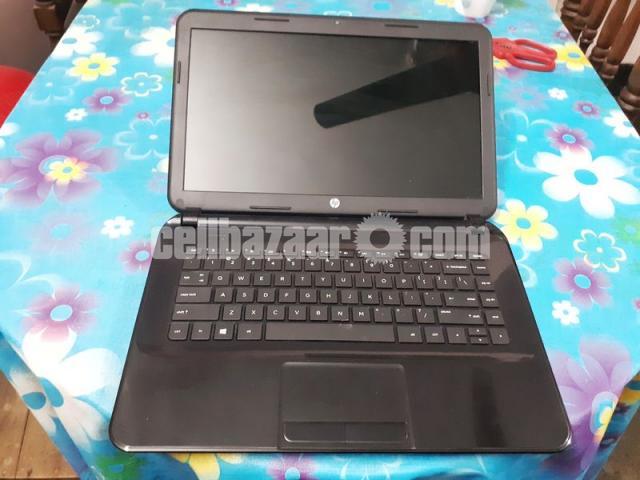 HP 14-d008au Notebook laptop with 4 gb ram and fast processor(dual core E1 2100APU).Screen -14 inch - 5/7