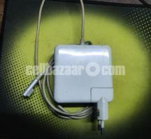 Apple MacBook laptop - Image 4/5