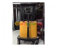 3 Ton Fork Lift Battery powered