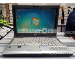 LG E210 250HDD 3GB Ram