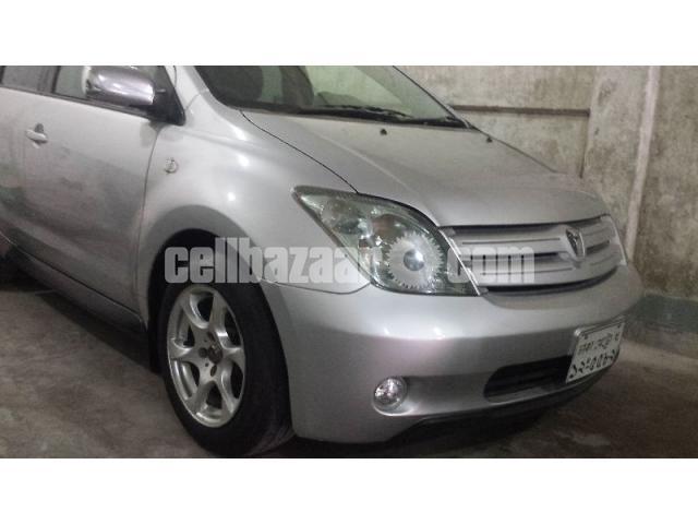 Toyota IST - 1/5