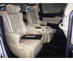 Toyota Alphard Hybrid 2015