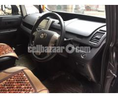 Toyota si noah push start 2 door power with  caption seat new shape