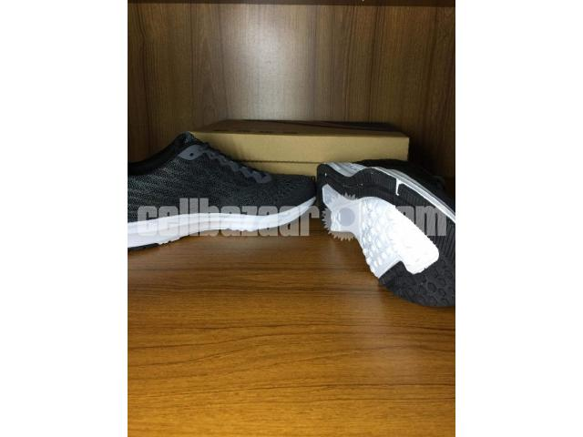 New Nike zoom sneaker. - 1/1