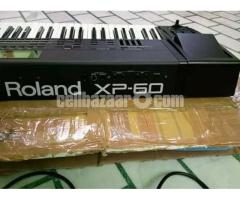 like new Roland xp 60 keyboard - Image 1/2