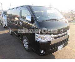 Toyota Hiace Black