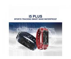 I5 plus Waterproof Sports Tracking Smart Bracelet.