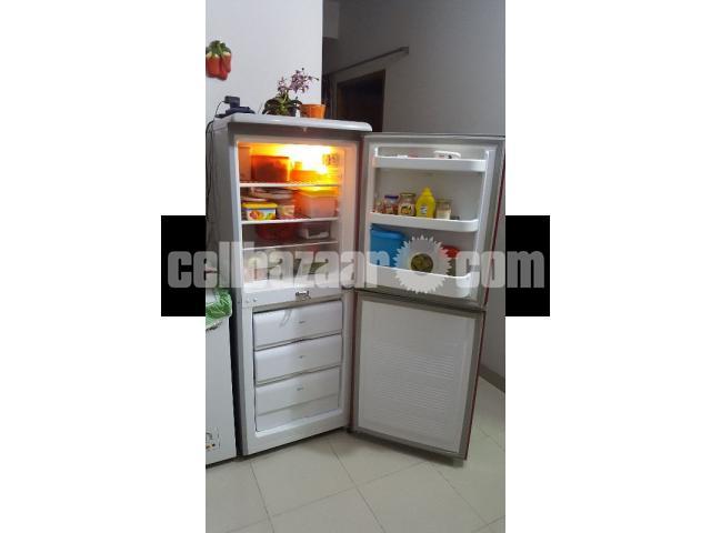 Kelvinator refrigerator - 2/4
